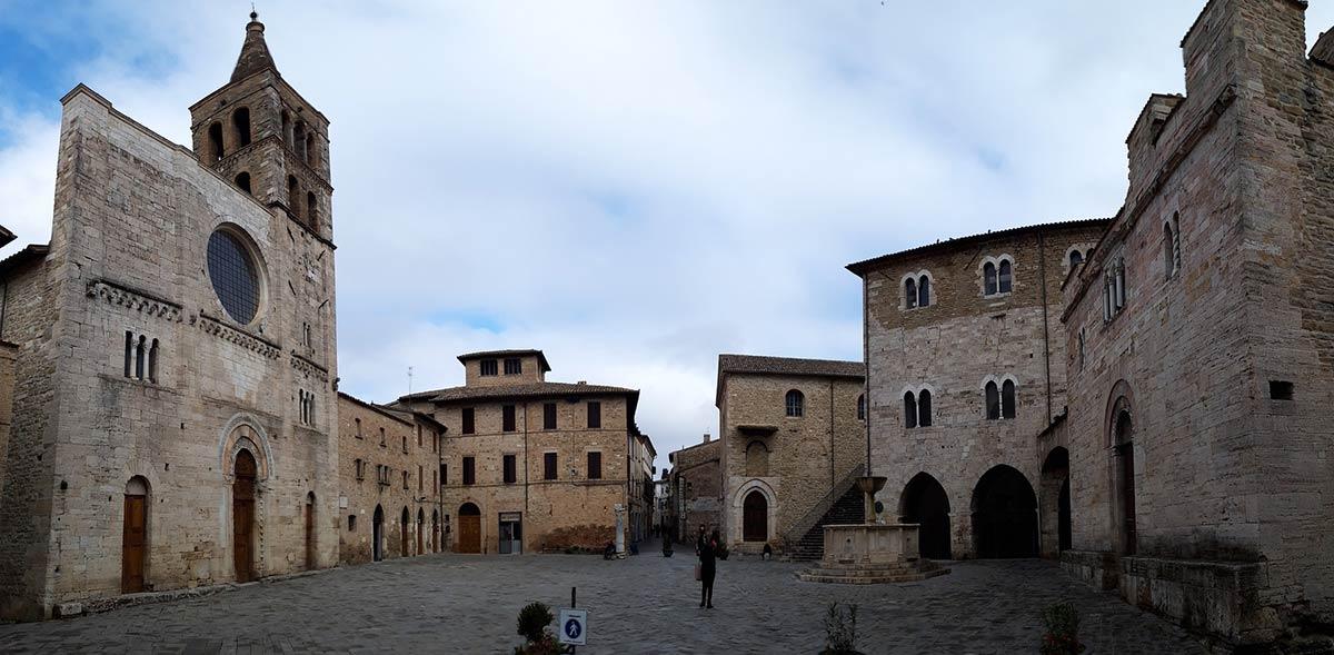 Sur les chemins italiens des pèlerins d'hier et d'aujourd'hui